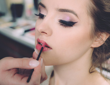 Vegan Beauty Salon Make-up Artist